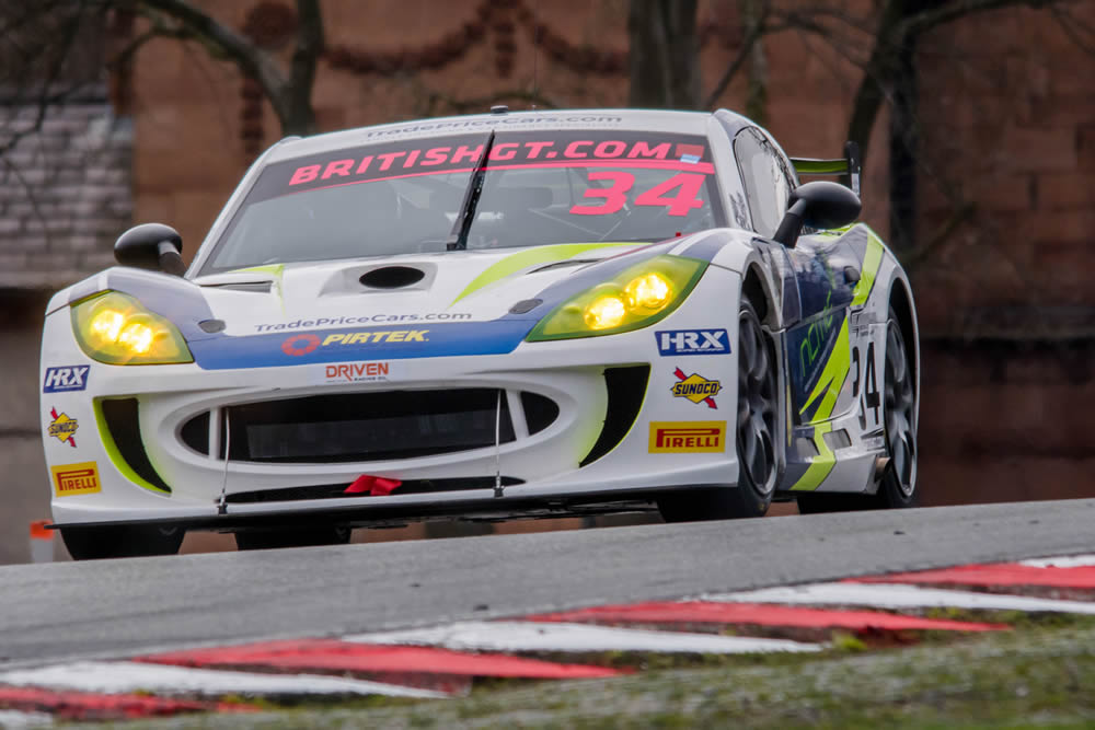 Anna's season kicks off to a strong start at Oulton Park