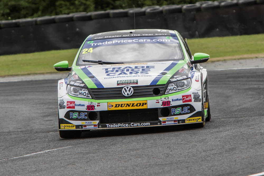 Hill's Tough Times at Croft BTCC