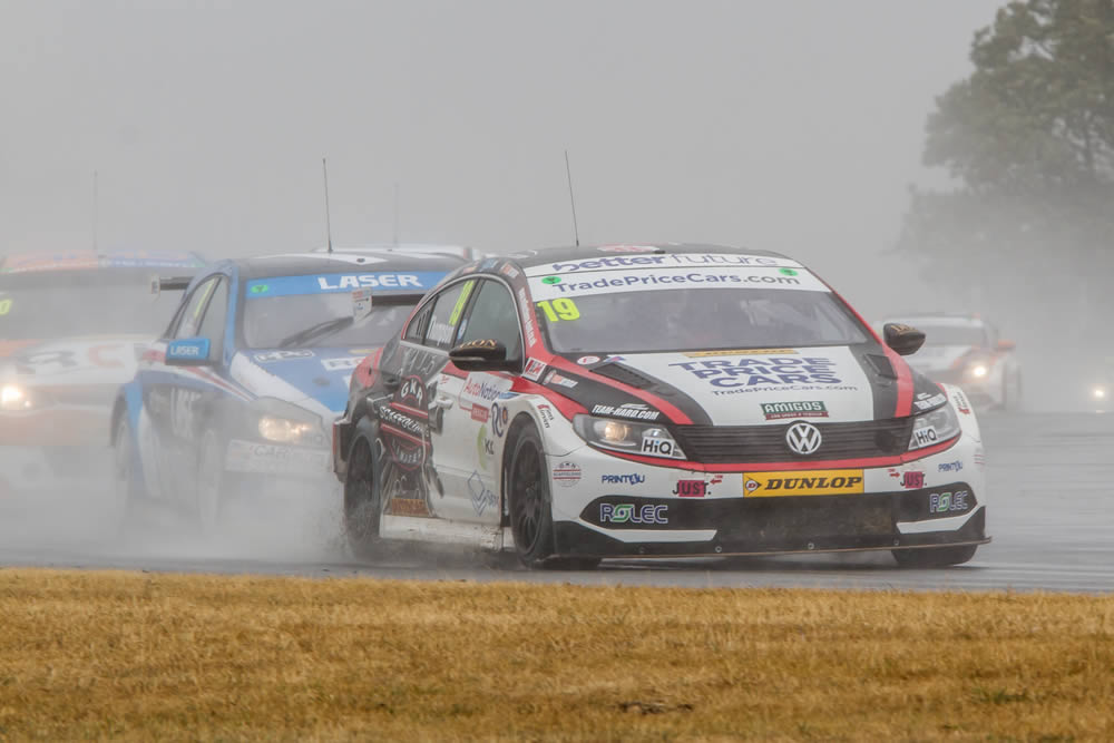 Thompson ready to 'be a contender' as BTCC bids farewell to 'The Rock.'