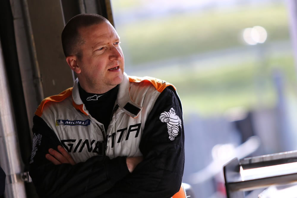 CARL ON BOARD WITH TEAM HARD FOR BTCC TYRE TEST!
